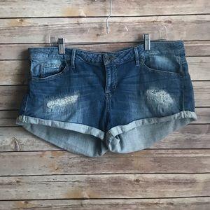 Guess jean shorts sz 31 ( Sz 12 ) Distressed